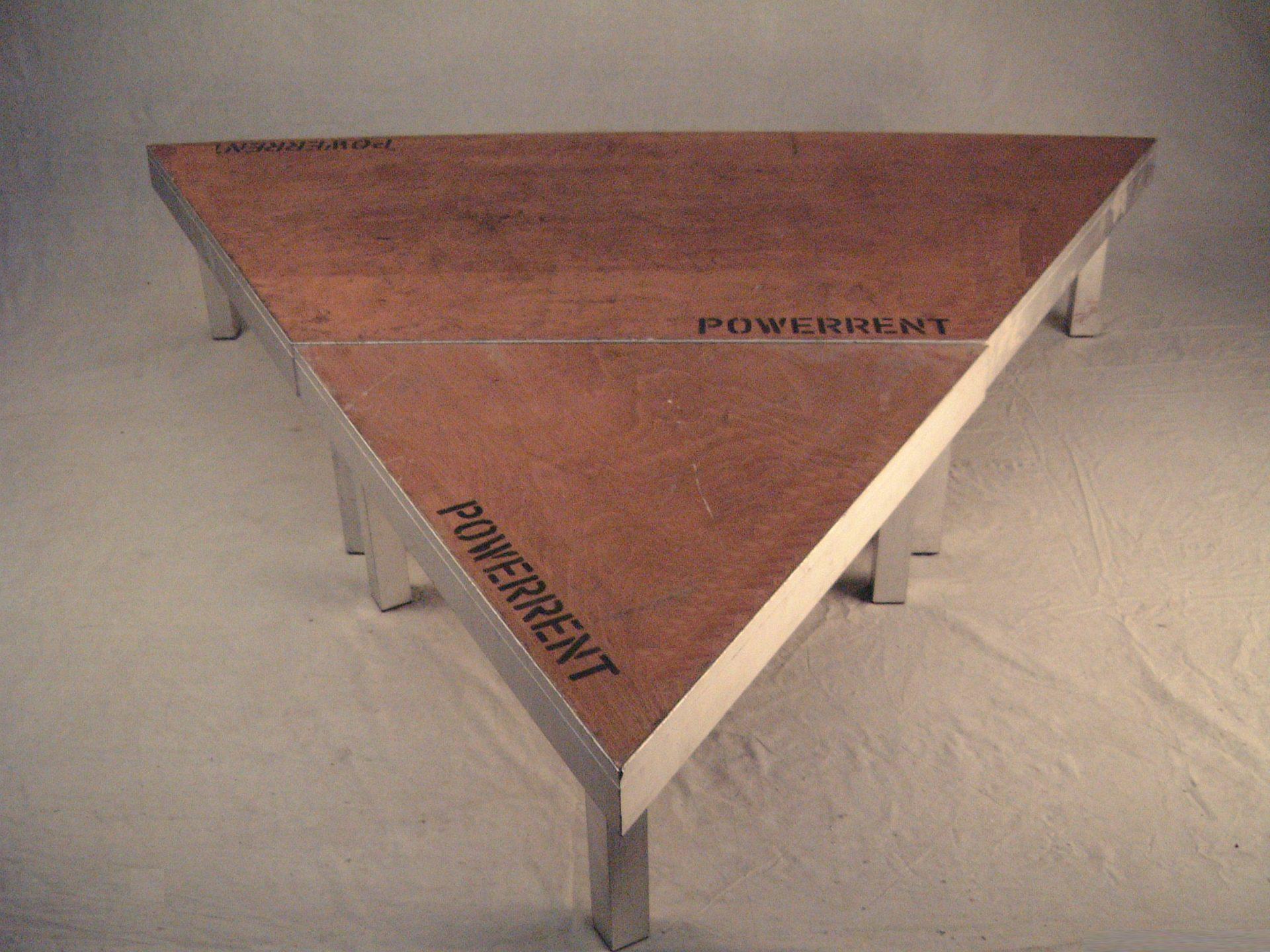 Dreieck Bühnenelement 2m x 2m x 2m