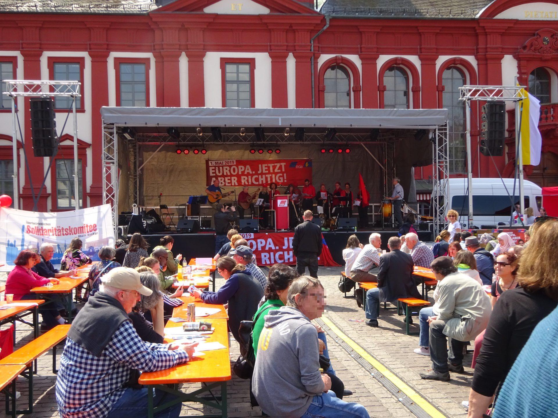 Bühne 10m x 6m für 1.Mai Kundgebung
