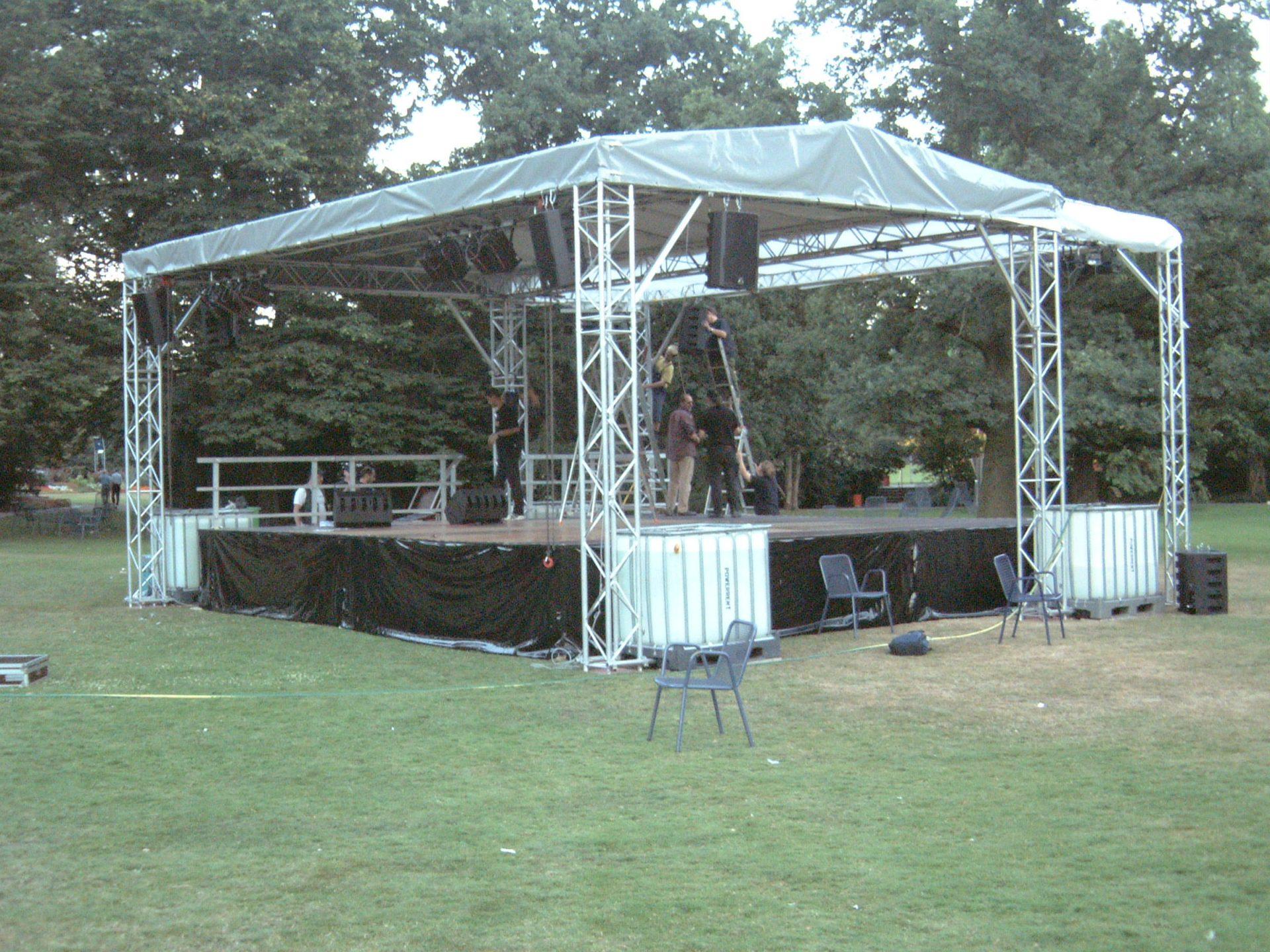 Bühne10m x 6m im Park