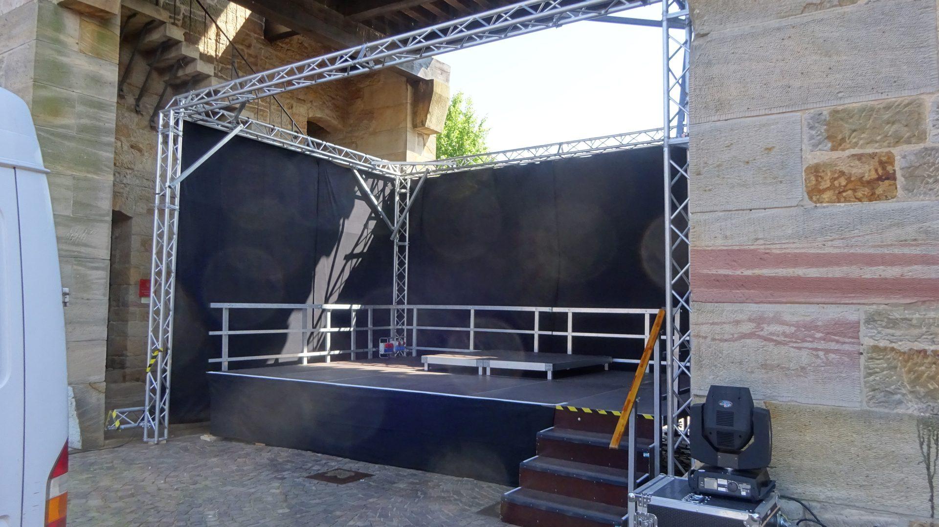 Bühne 6m x 4m im Pfälzer Weintor