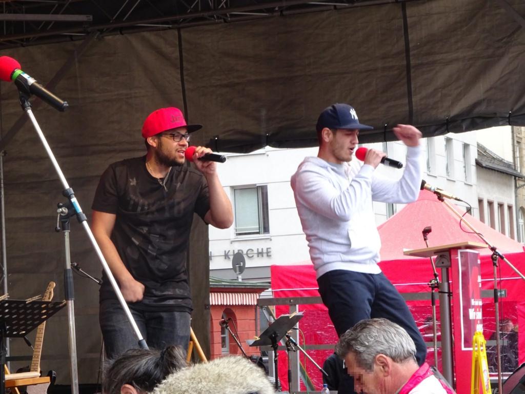 Hiphop-Duo auf der 1 Mai Bühne