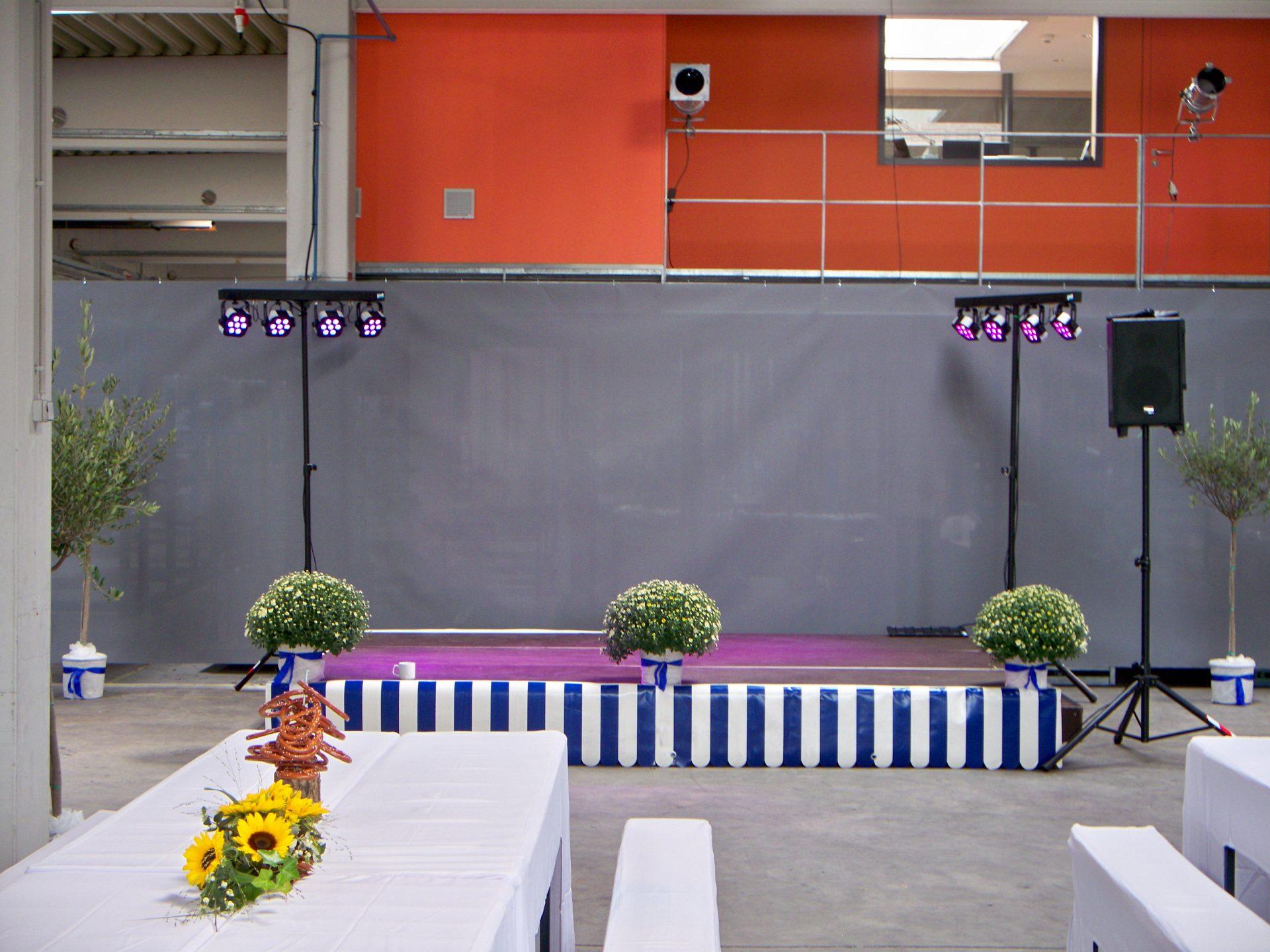 Indoorbühne bei einem Firmenevent