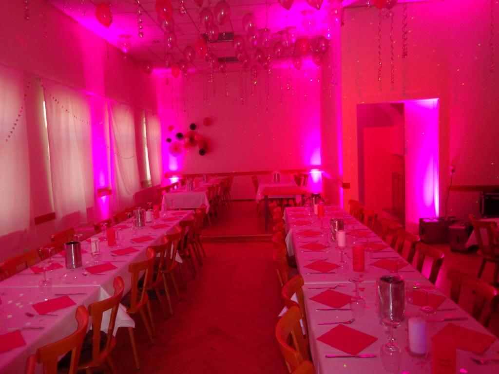 Pink Tripar für Jubiläum