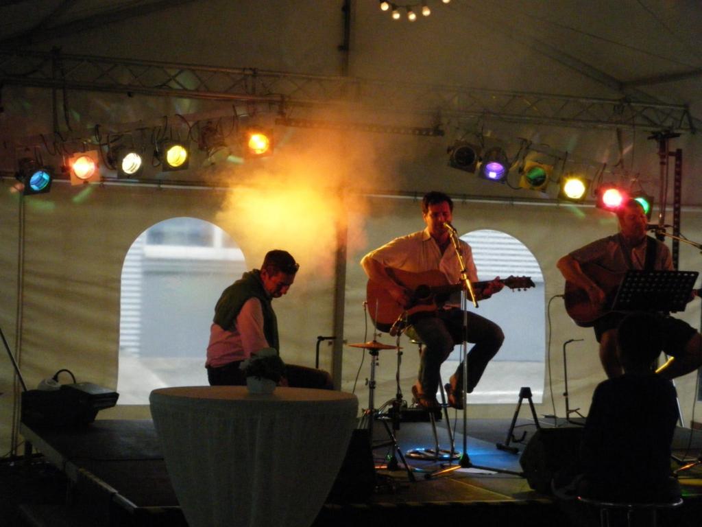 Live Band Backtruss Spots Nebel