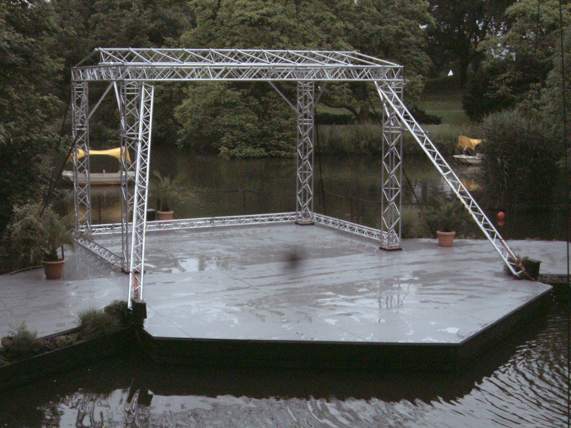 Traversenkonstruktion Spezialbühne Seebühne