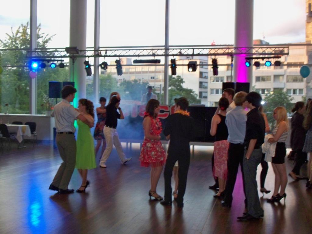 Ball einer Tanzschule Truss, LED, PA,Effekte