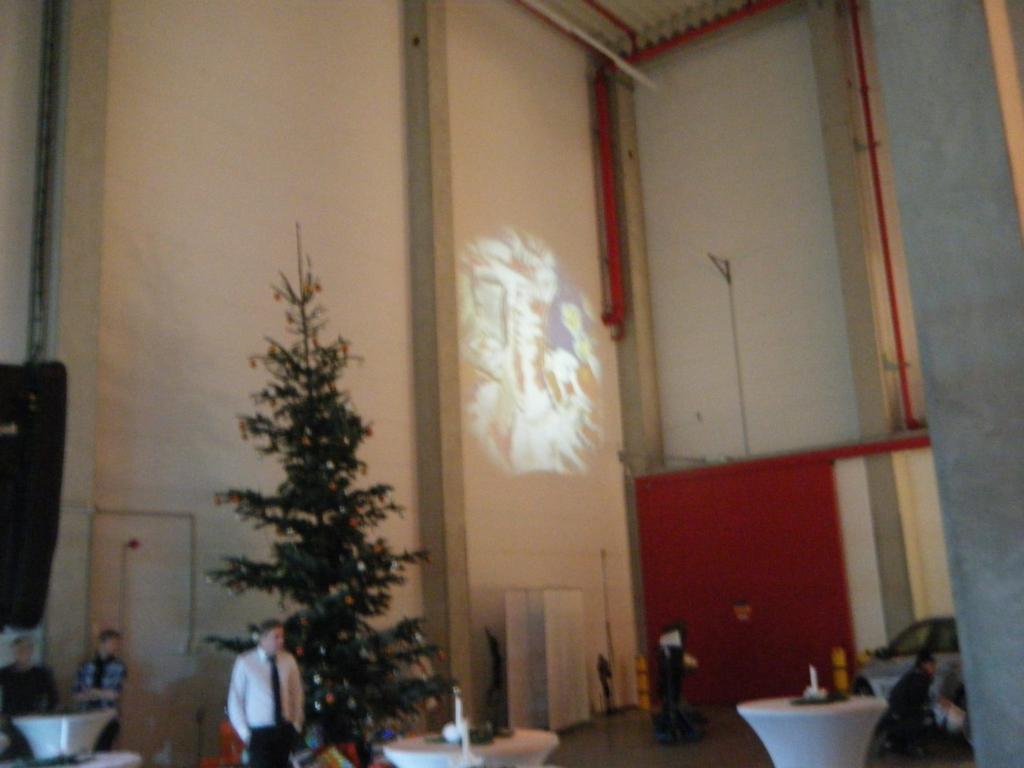 Weihnachtsfeier Ultimaprojektion