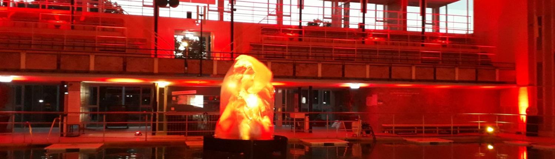 Mega-Flamelight im Hallenbad