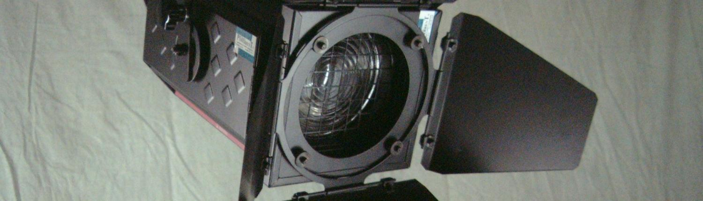 Stufenlinsenscheinwerfer 1kW