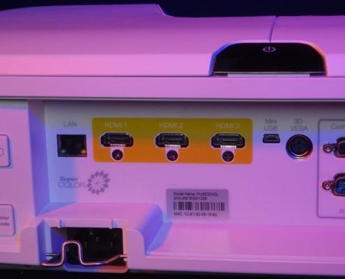 Viewsonic Beamer Pro 8530 HDL Buchsen