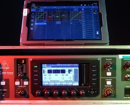 Behringer X32 Rack mit Tablet