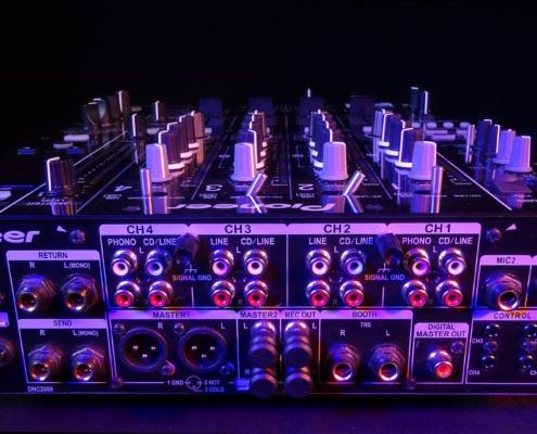 Pioneer DJM850 Buchsen