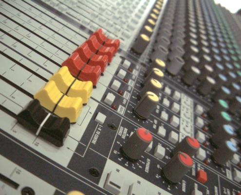 Soundcraft GB4 32 Groups-LR