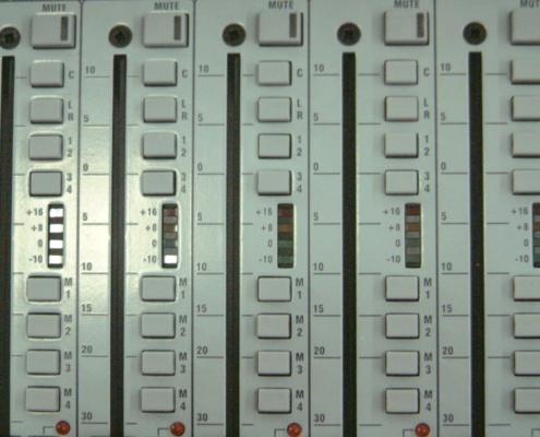 Soundcraft GB4 32 Inputs