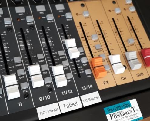 Musiksaal Tonanlage Beschriftung Mixer