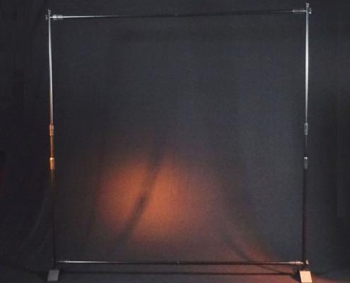 Hintergrund-Teleskophalter aufgebaut